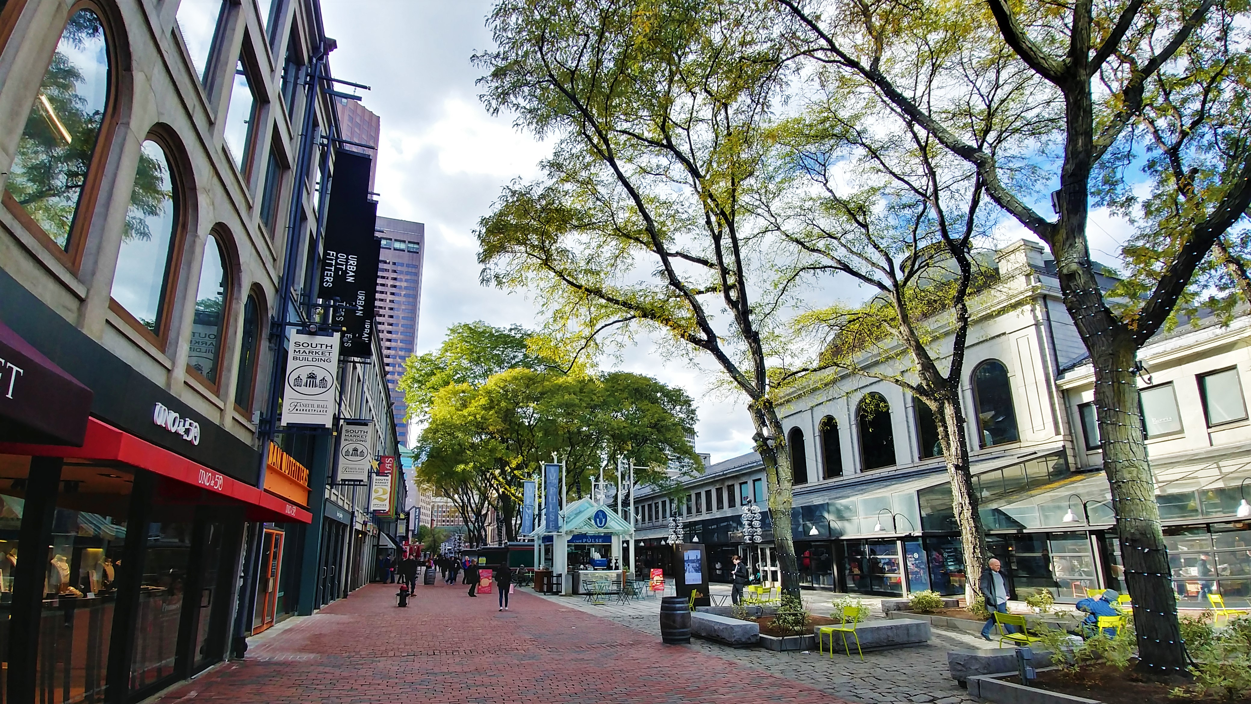 quincy market freedom trail boston que voir usa voyage etats-unis arpenter le chemin