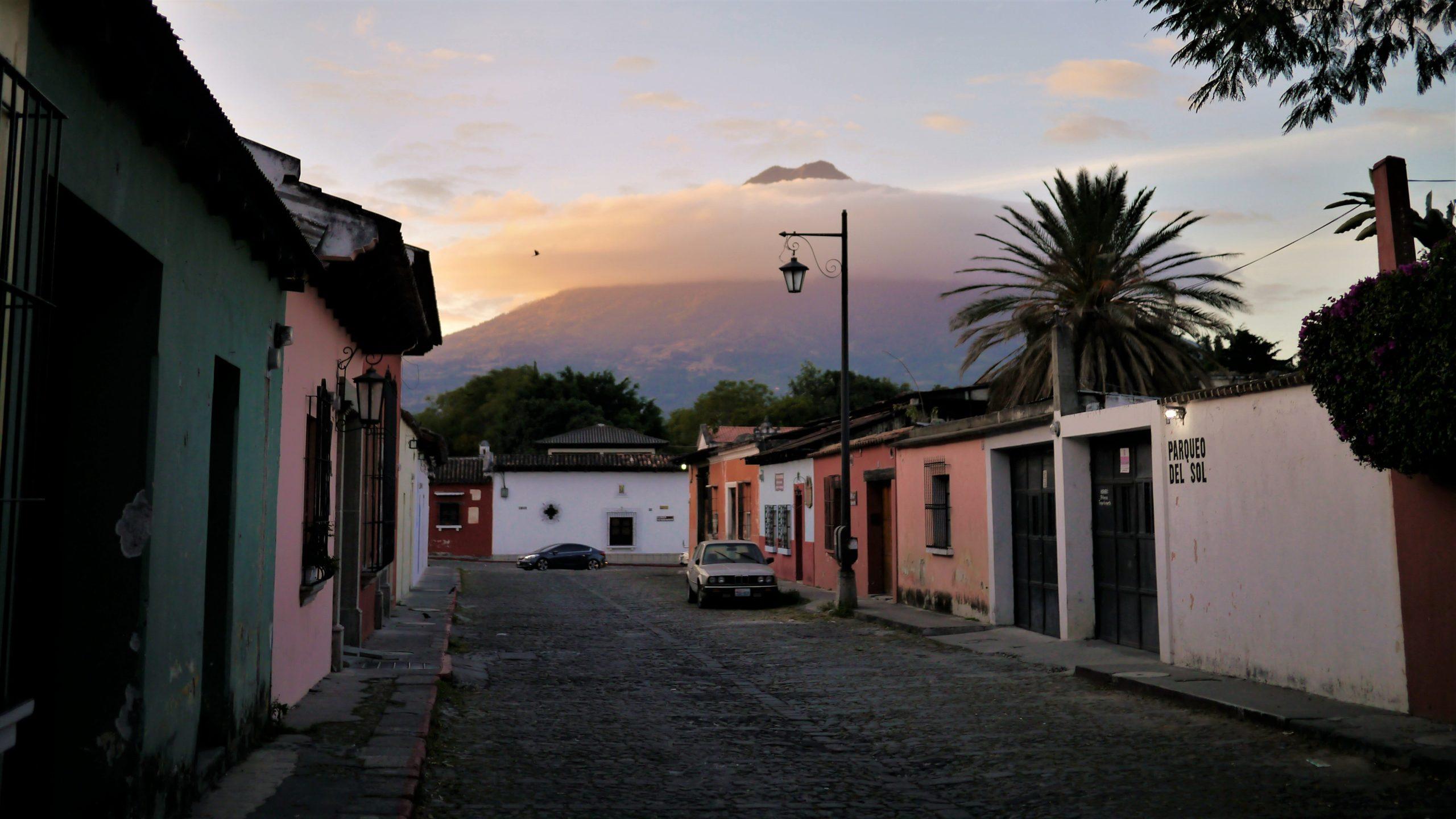 Guatemala visiter Antigua volcan Agua