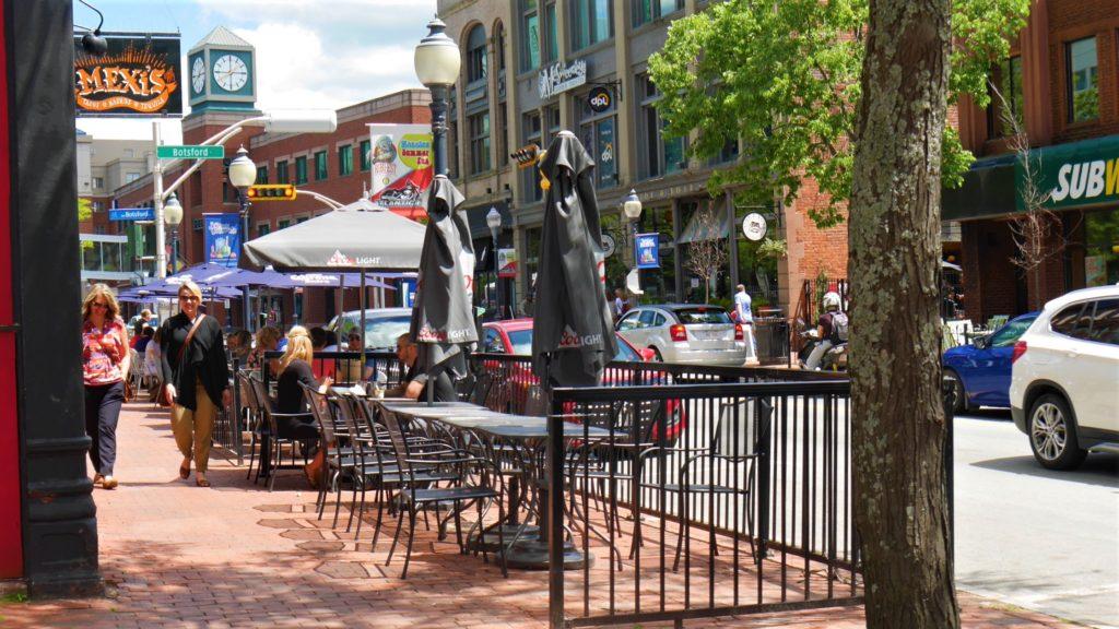 Moncton downtown centre-ville terrasses patios