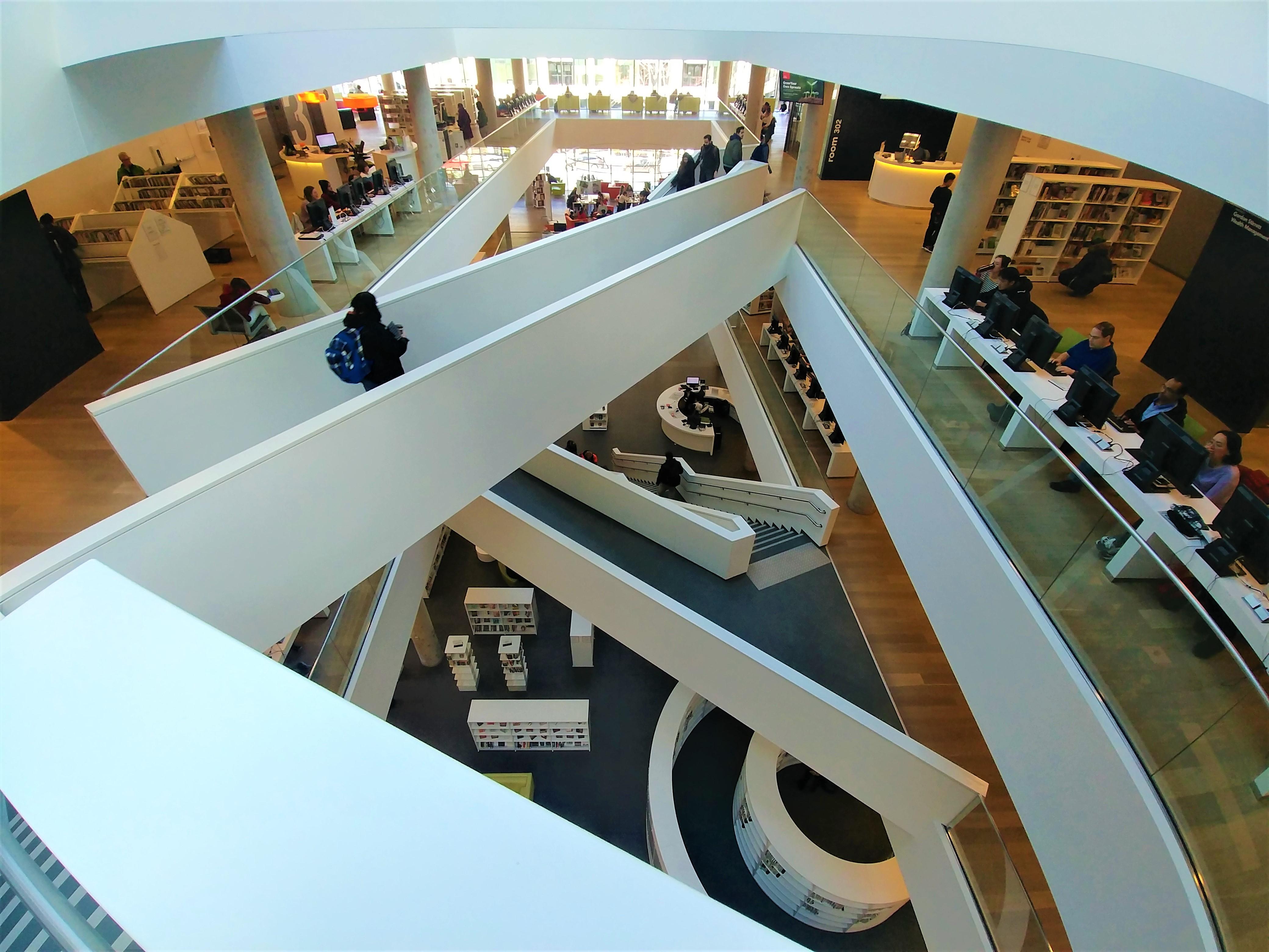 Halifax que voir bibliotheque architecture escapade nouvelle-ecosse blog voyage road-trip arpenter le chemin