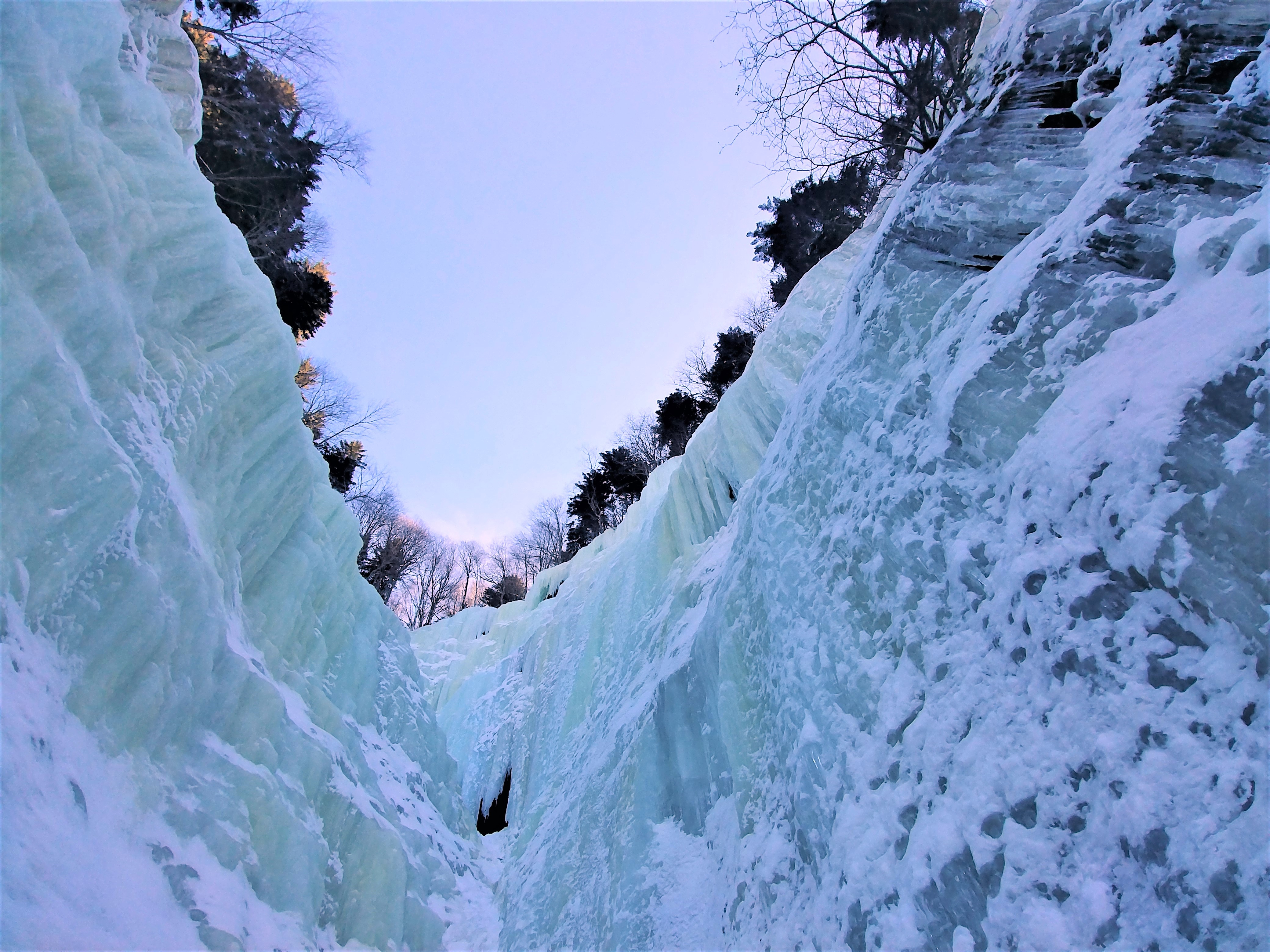 cascade de glace hiver randonnee raquettes nouveau-brunswick canada