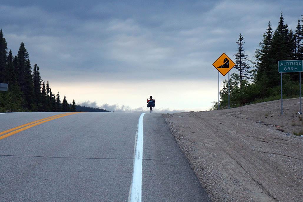 Cyclonomade blog voyage feminin velo solo 8 mars arpenter le chemin