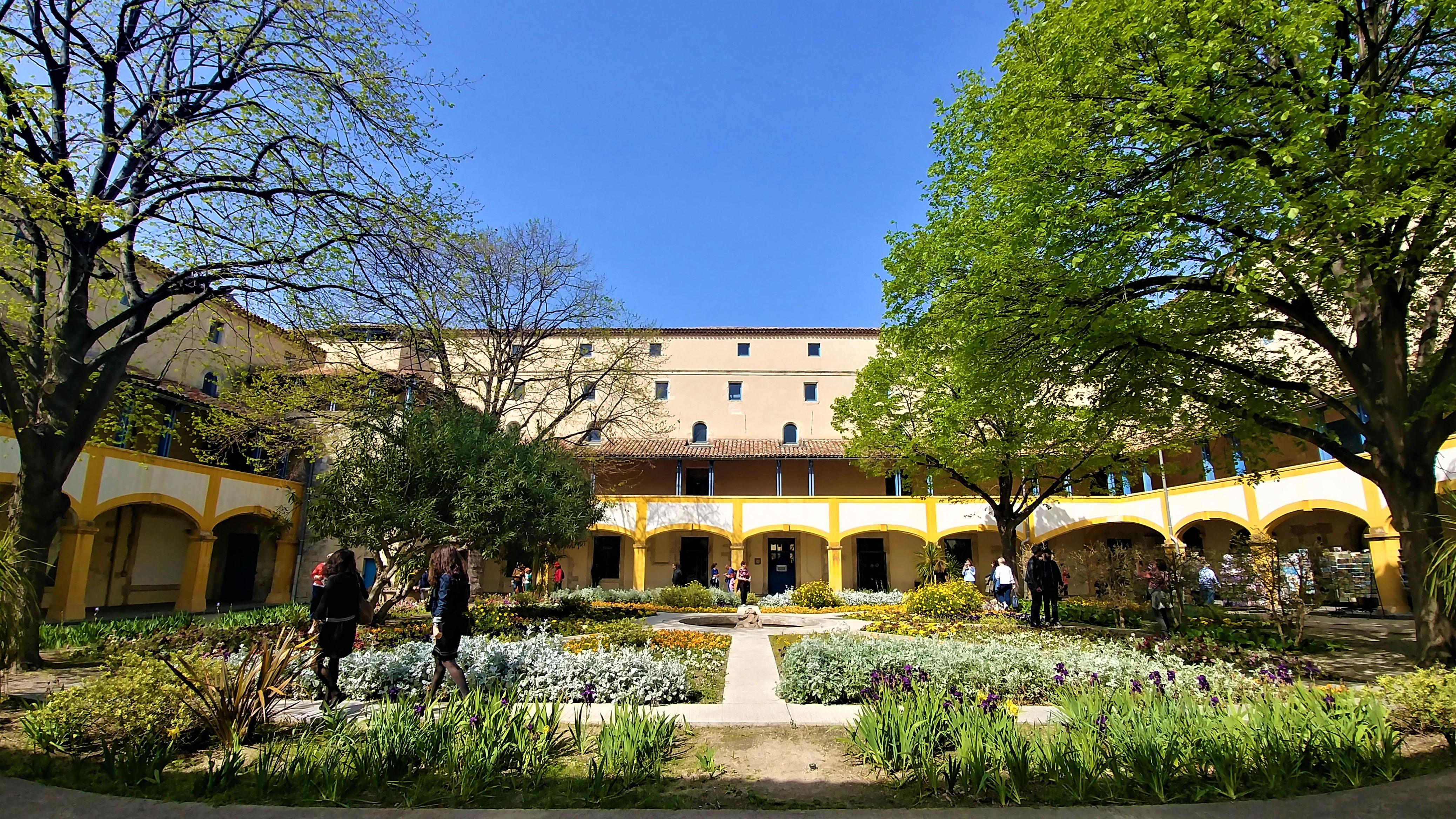 Arles espace Van gogh