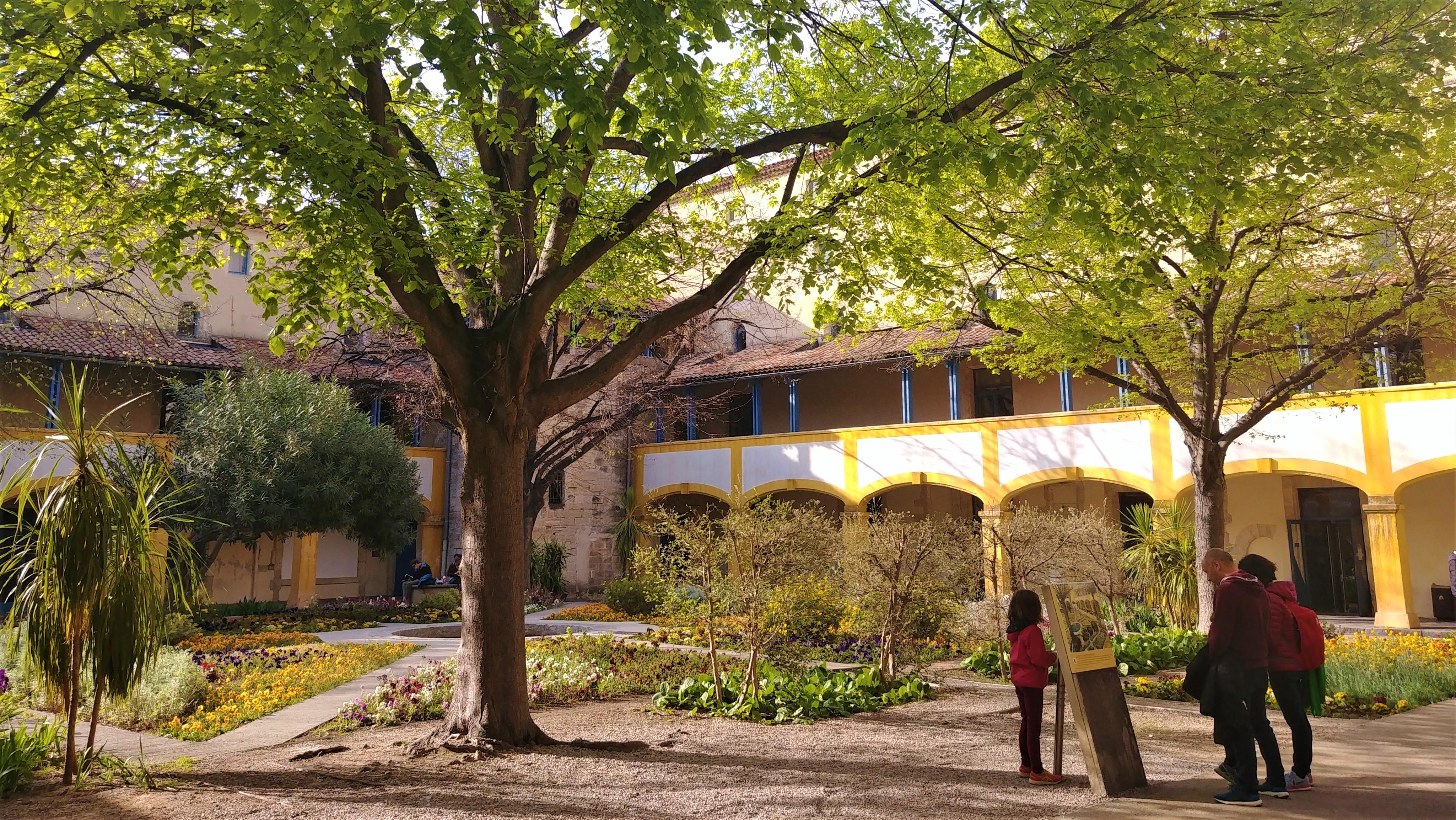 Arles que faire ou manger feria