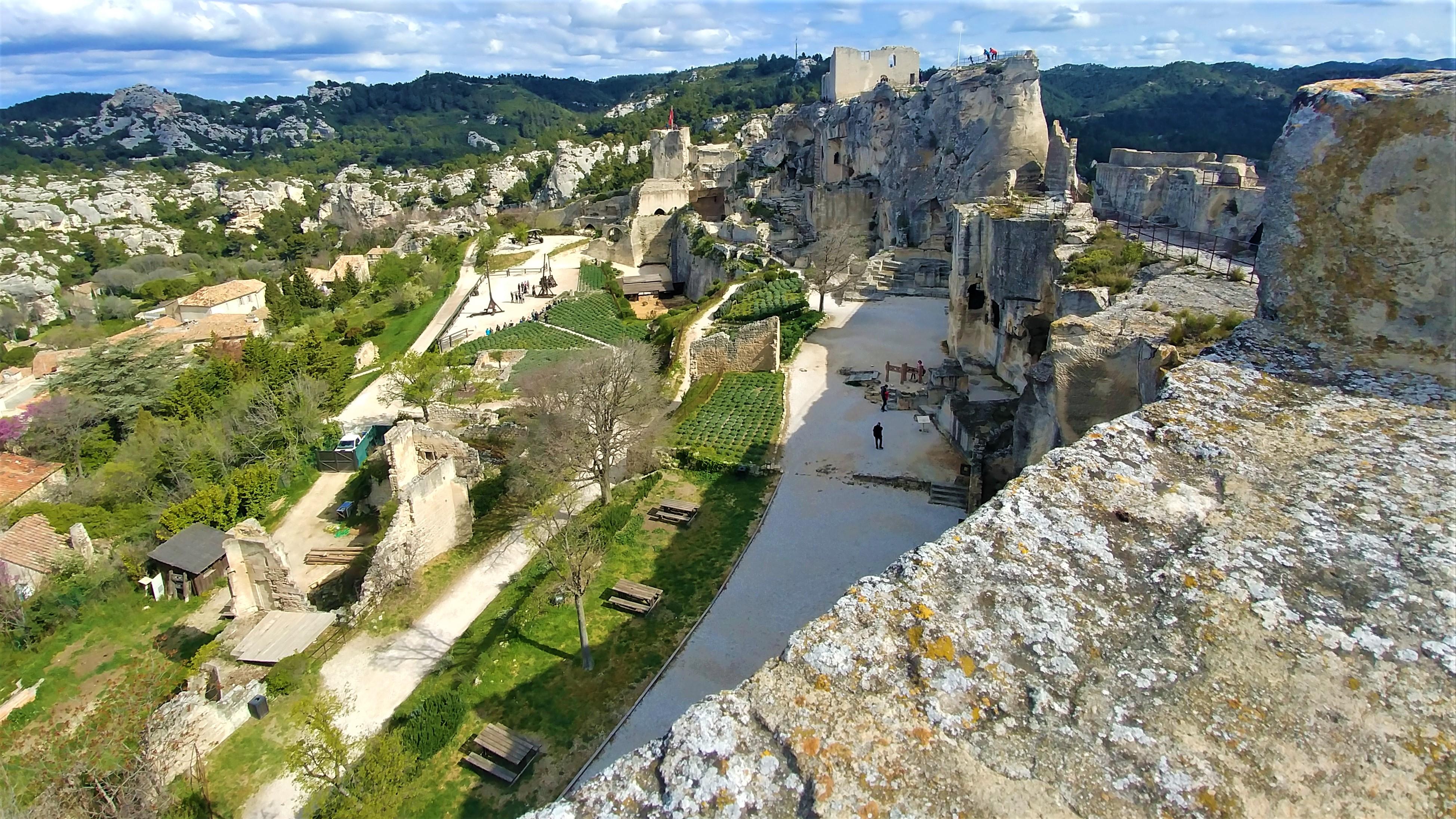 Baux de provence visiter chateau printemps escapade ponts mai