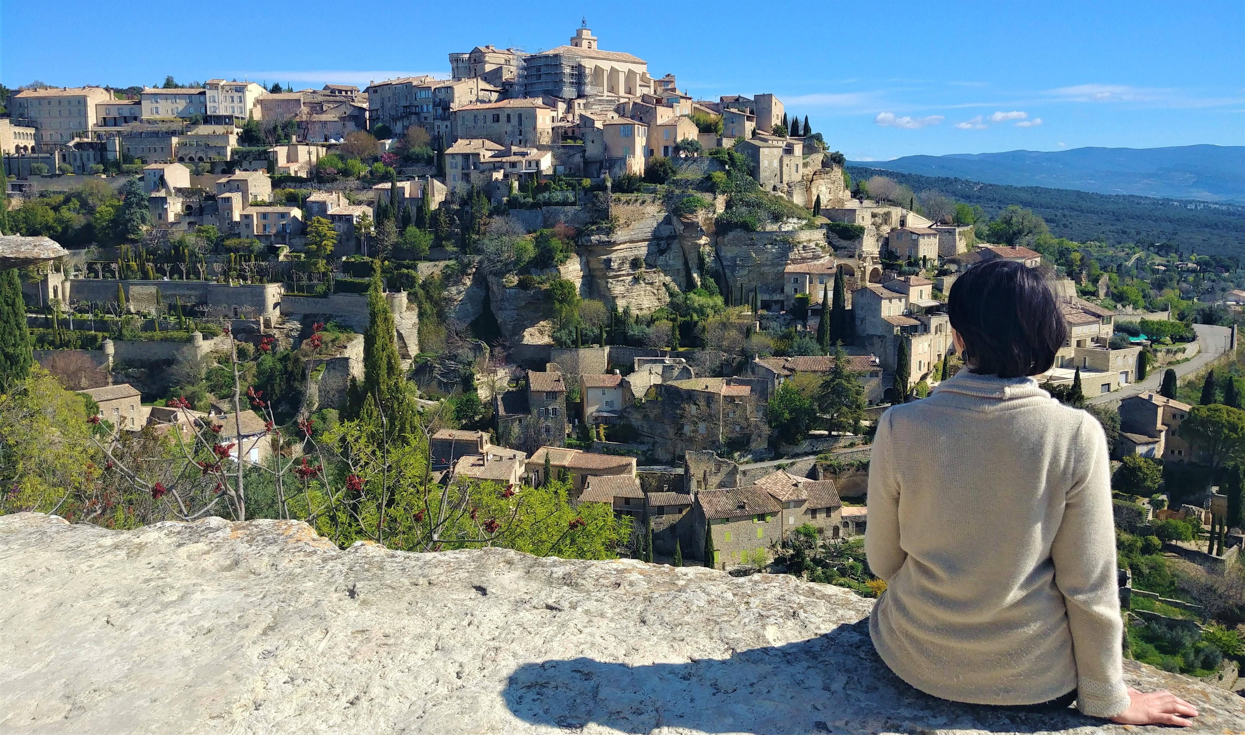 Gordes belvedere bories que voir provence blog voyage france arpenter le chemin