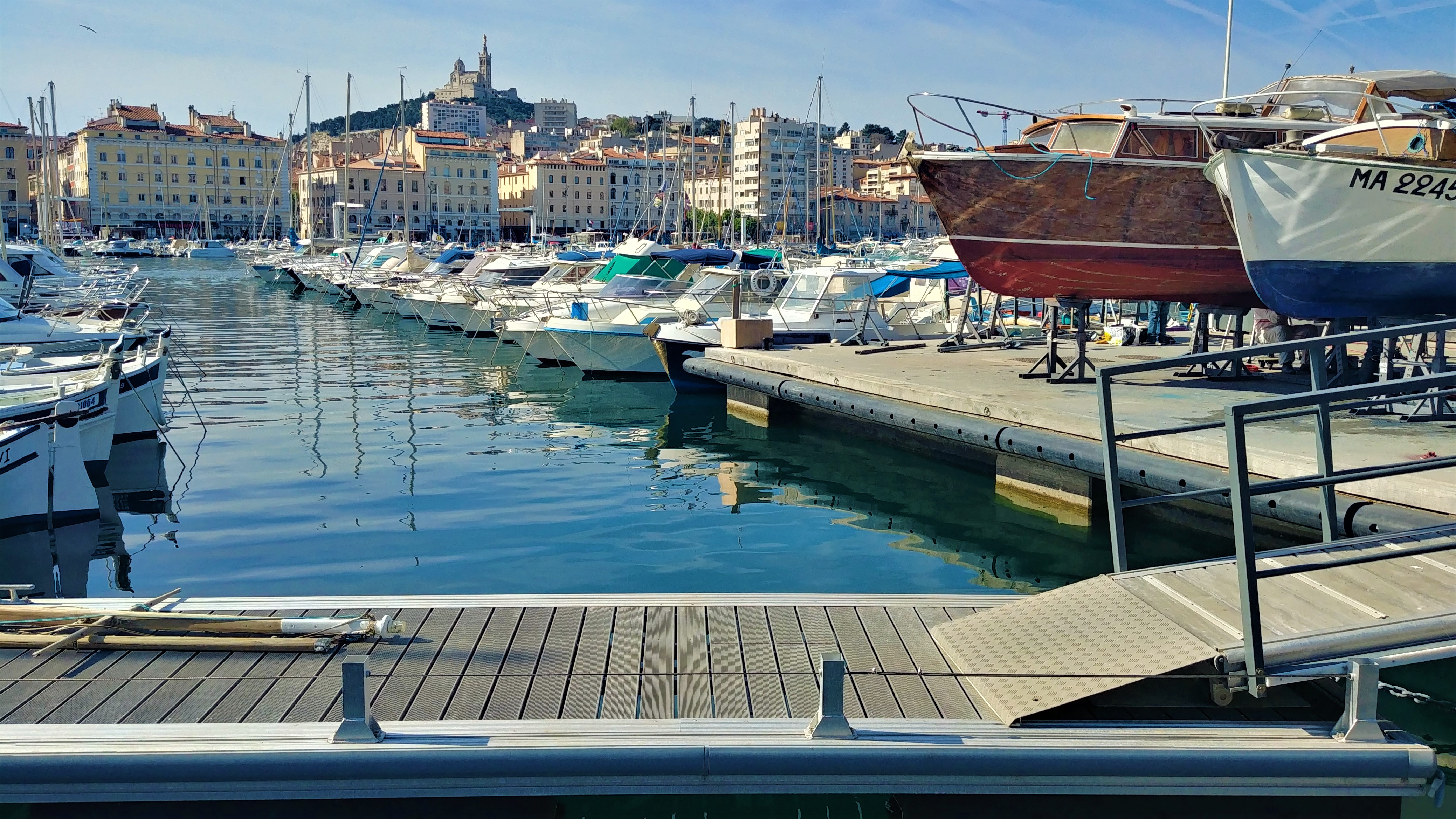 marseille visiter vieux-port que voir escapade sans voiture blog voyage arpenter le chemin