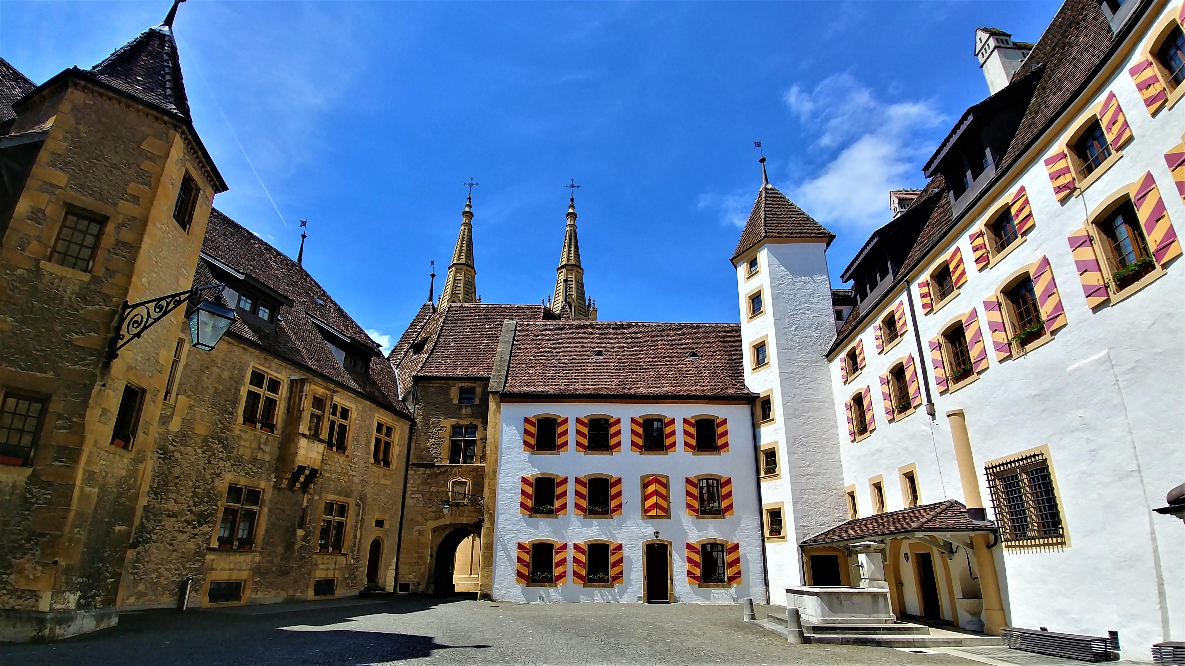 Neuchatel visiter chateau vieille ville suisse romande blog voyage europe eurotrip arpenter le chemin