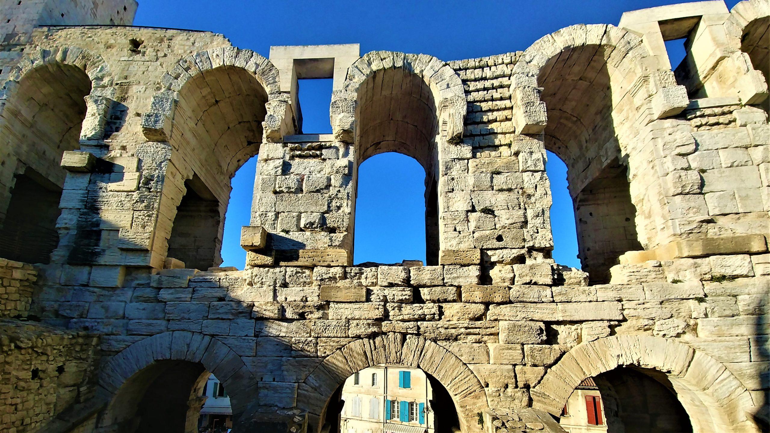 Arles arènes quand venir escapade provence blog voyage
