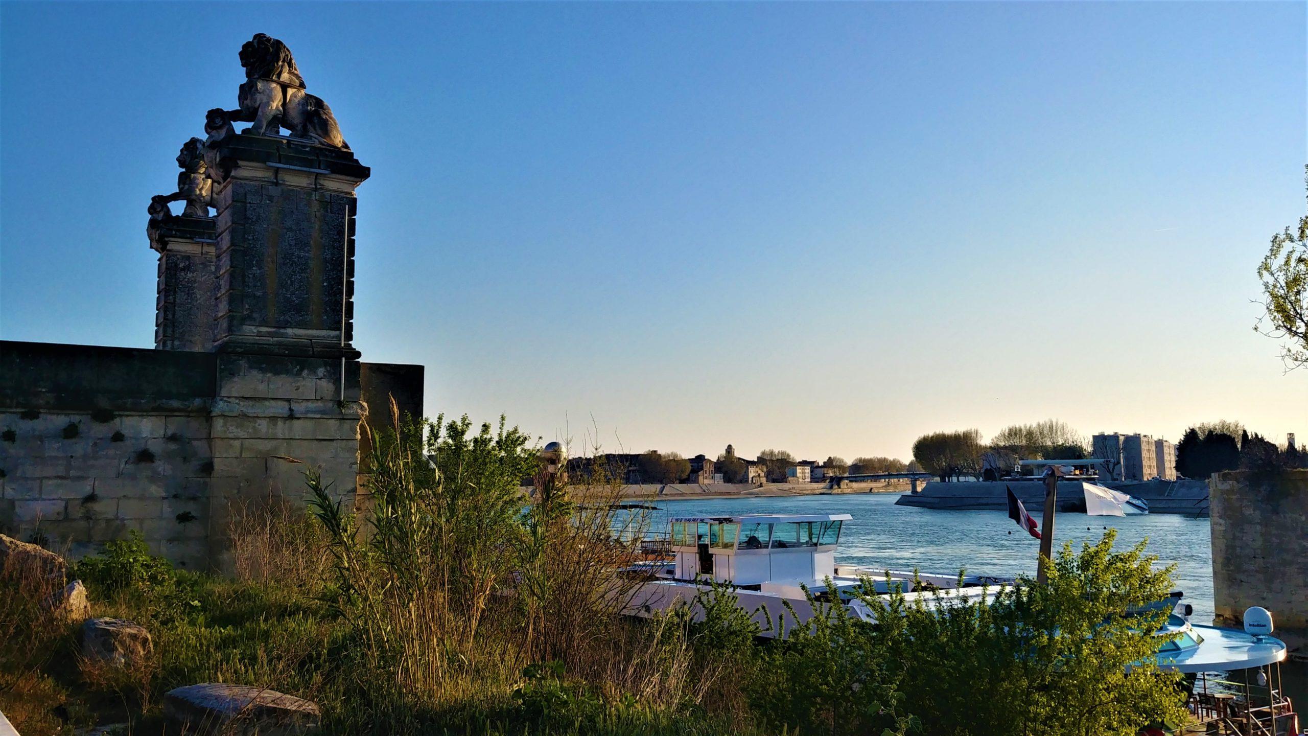 Arles croisière Rhône infos pratiques blog voyage arpenter le chemin