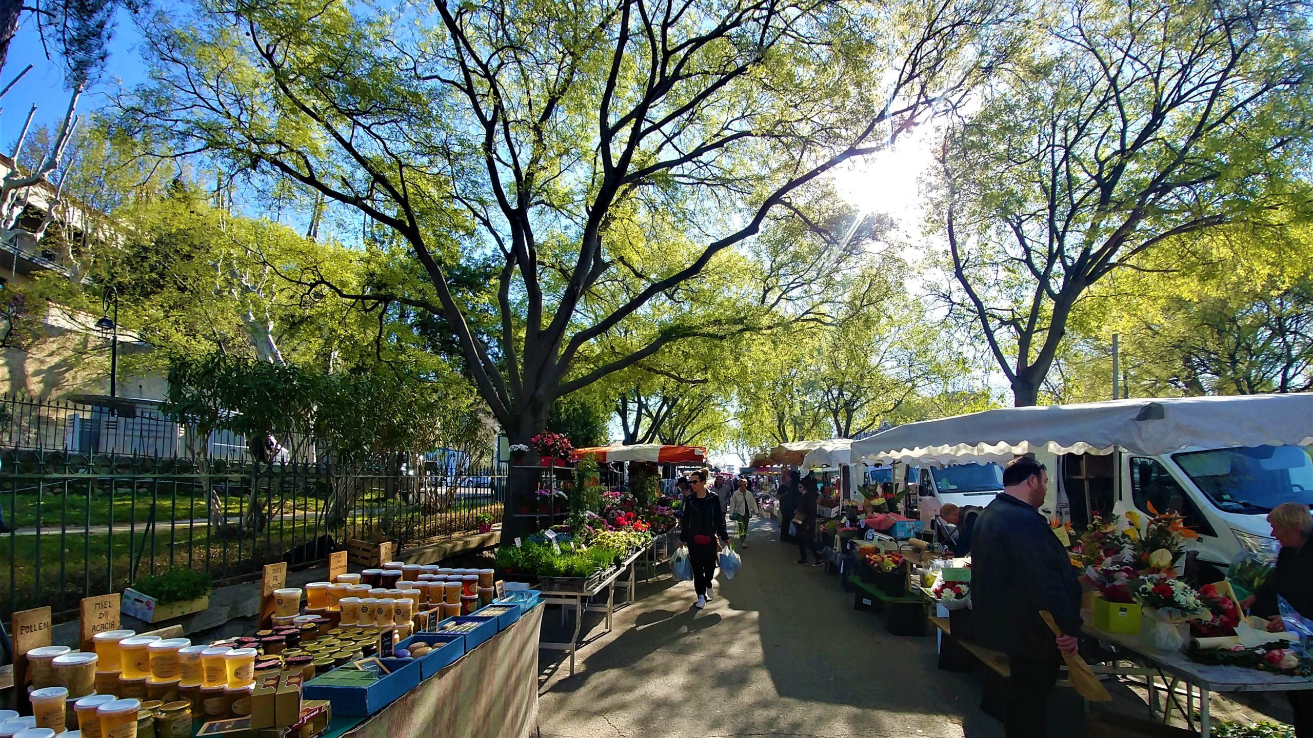 Arles marché infos pratiques blog voyage Provence arpenter le chemin