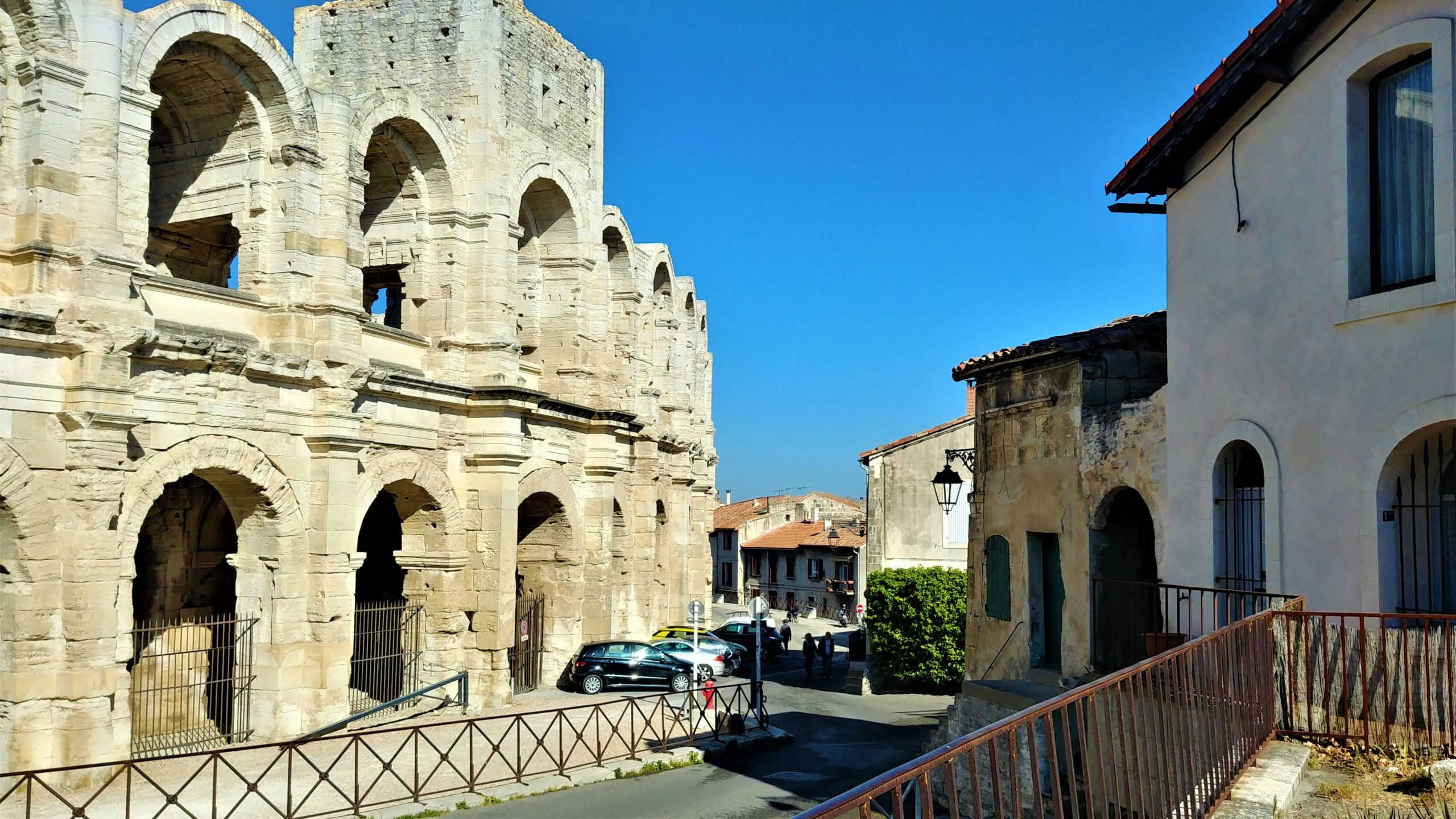 Arles visiter arènes provence blog voyage arpenter le chemin