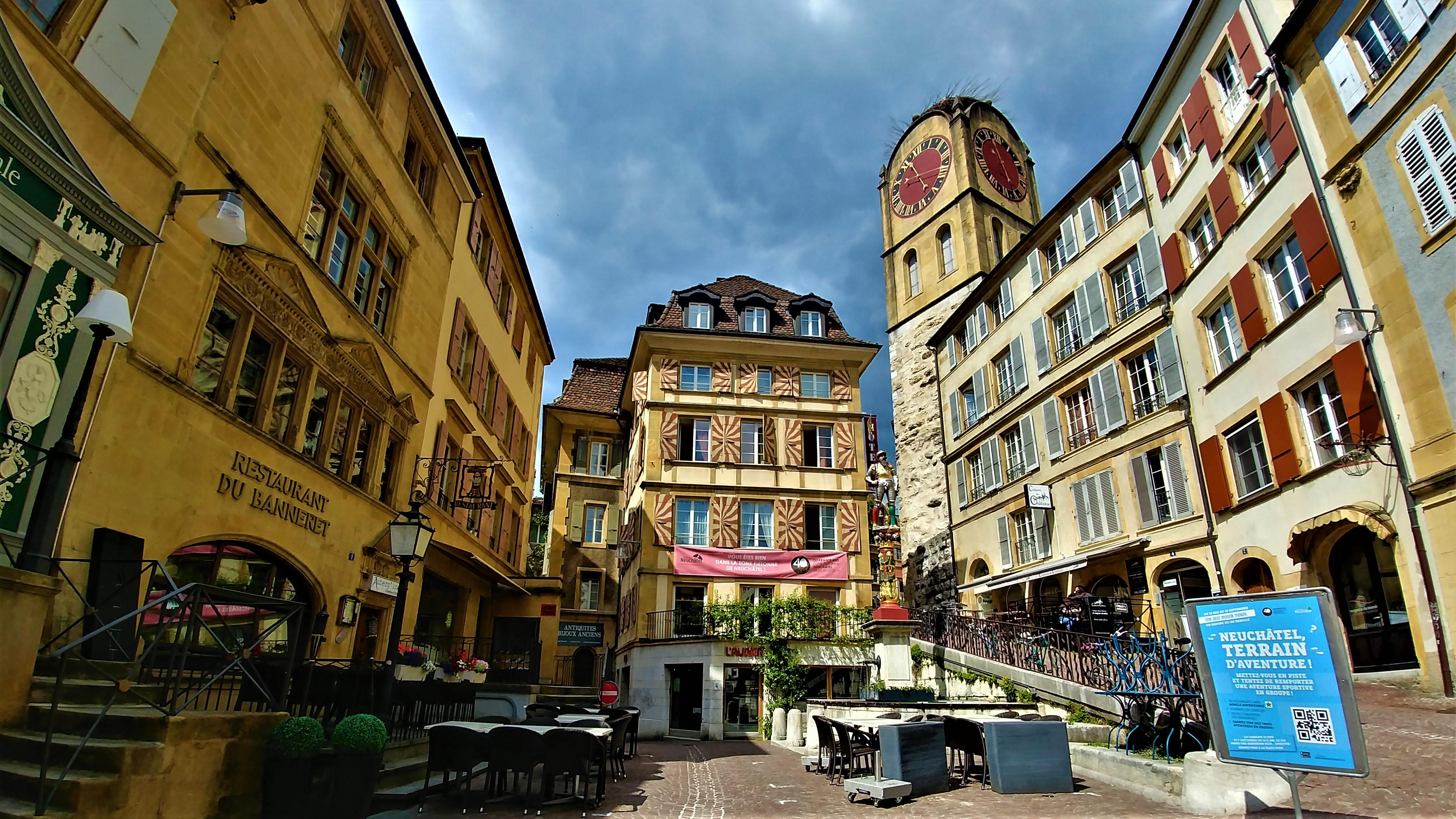 Neuchatel vieille ville visiter itineraire pied blog voyage arpenter le chemin
