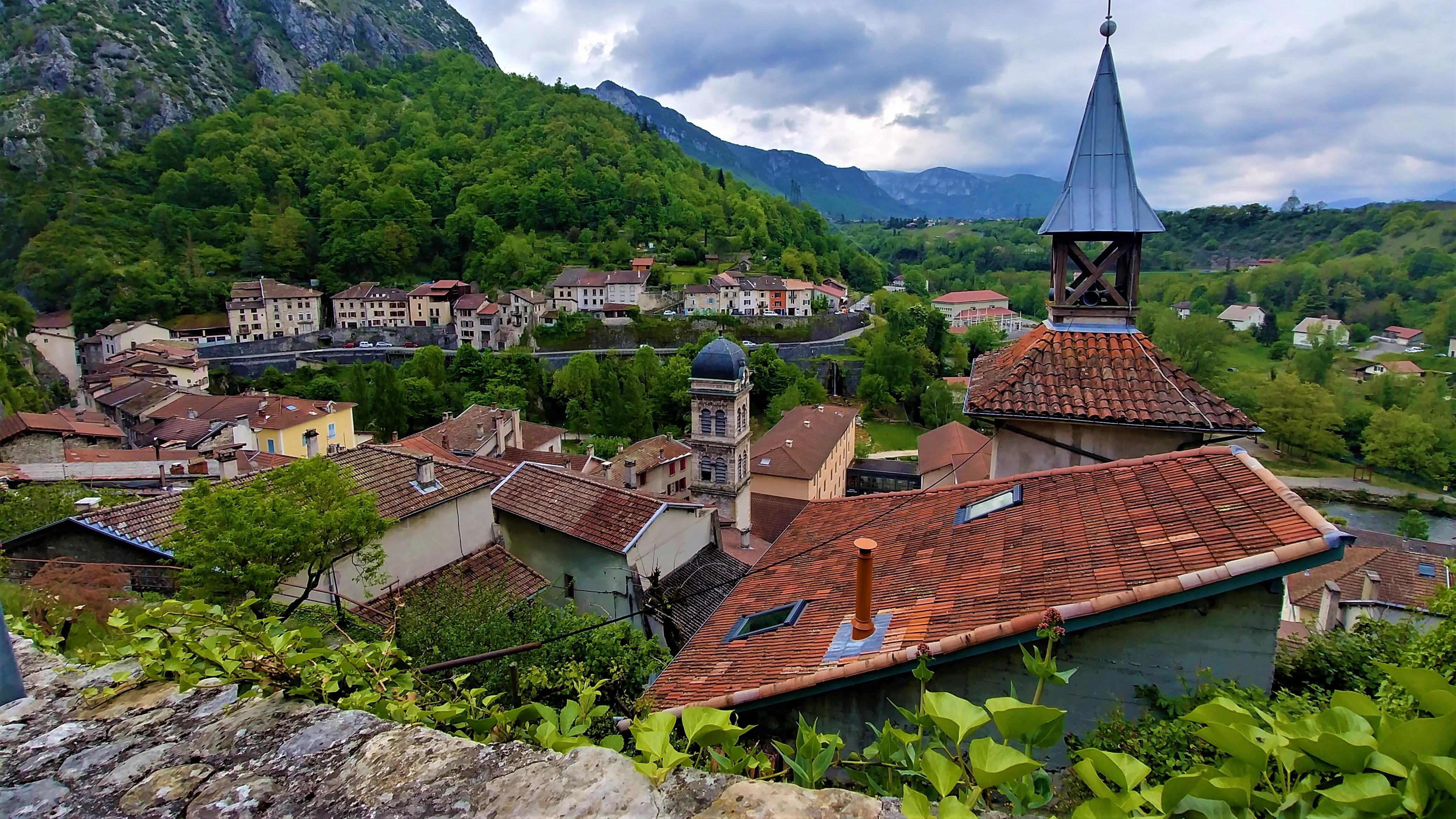 pont-en-royans village medieval isere infos pratiques