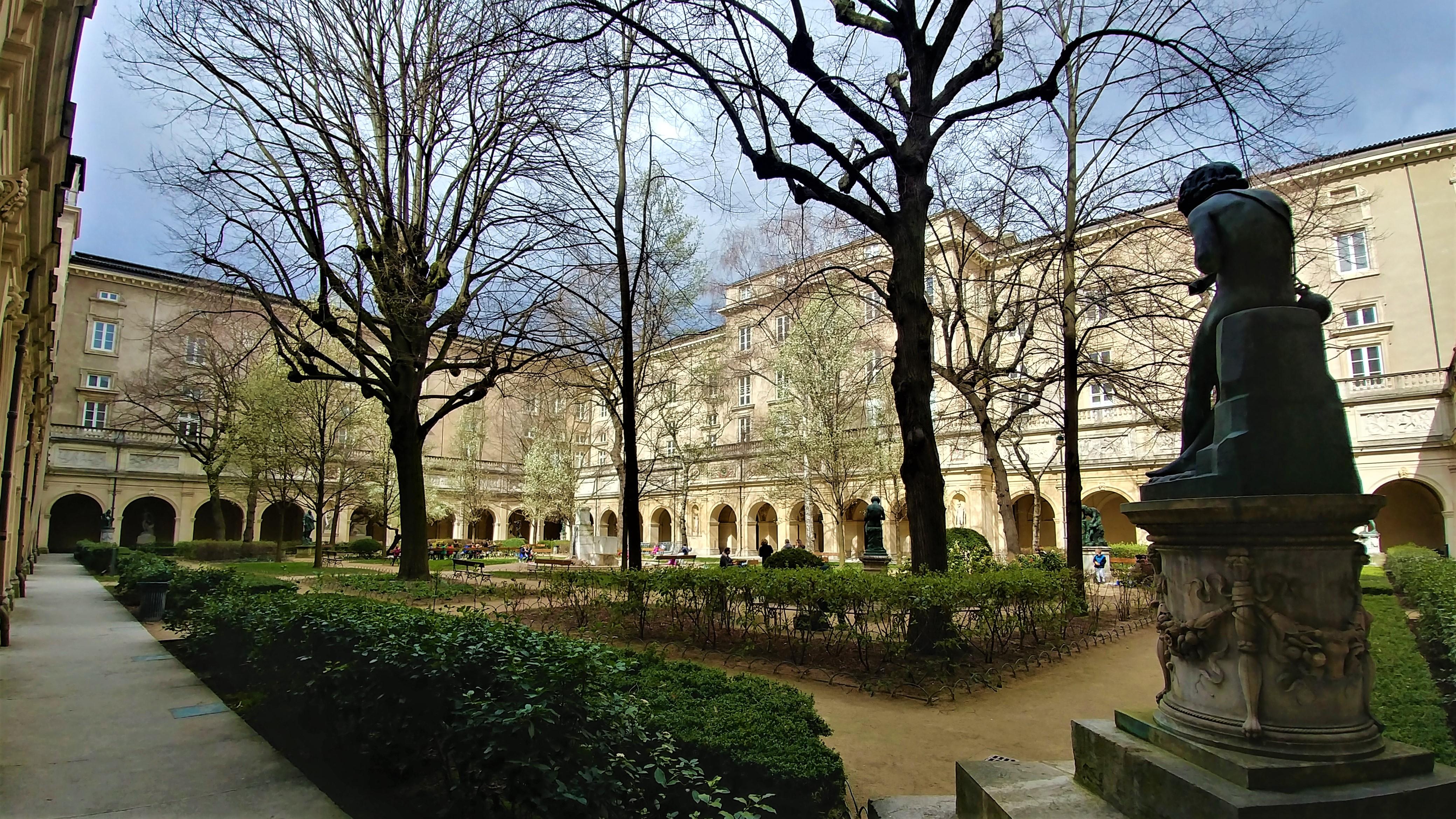 cour musee beaux-arts lyon place terreaux endroits insolites