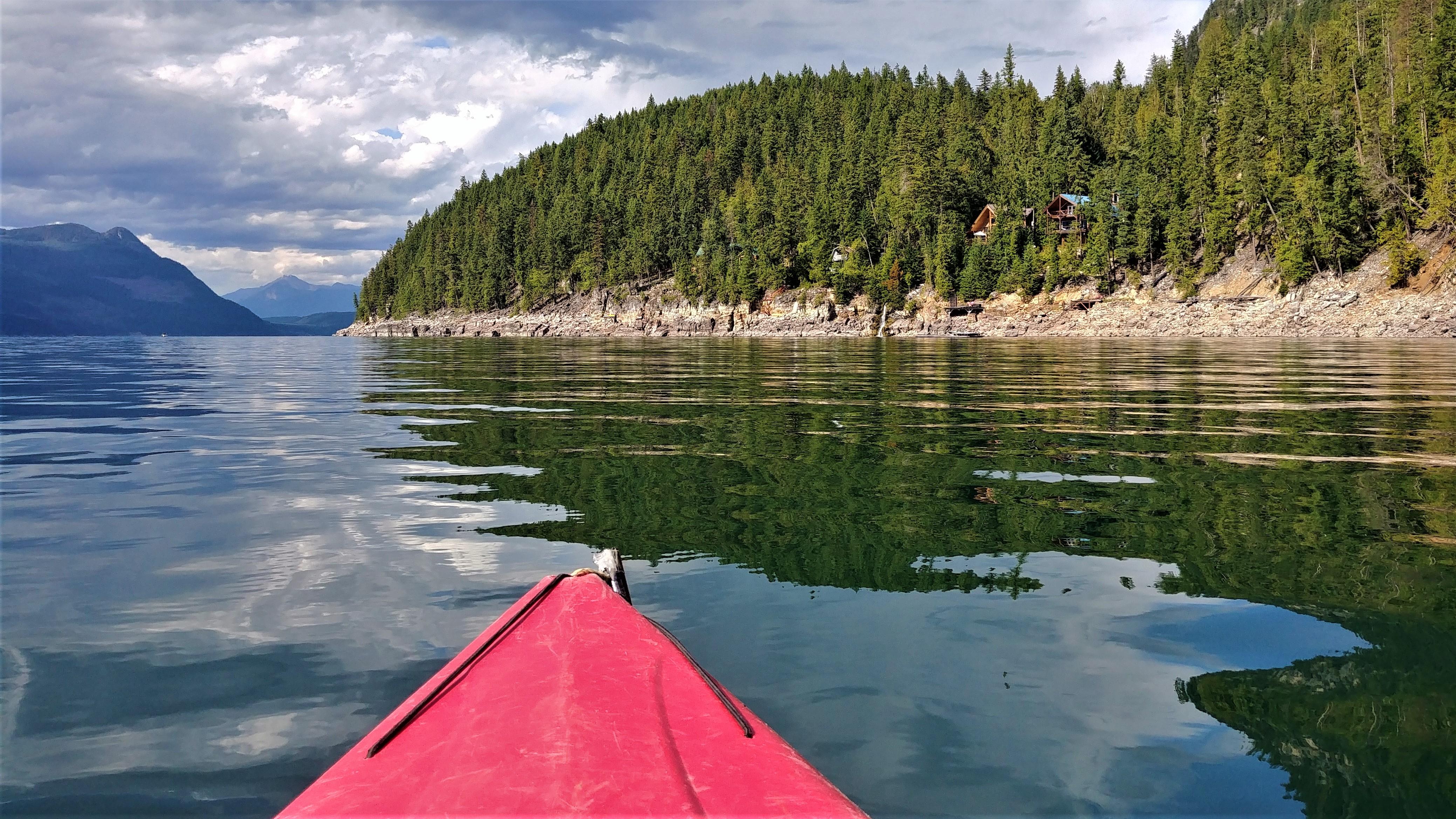 Revelstoke halcyon hot springs kayak canot canada