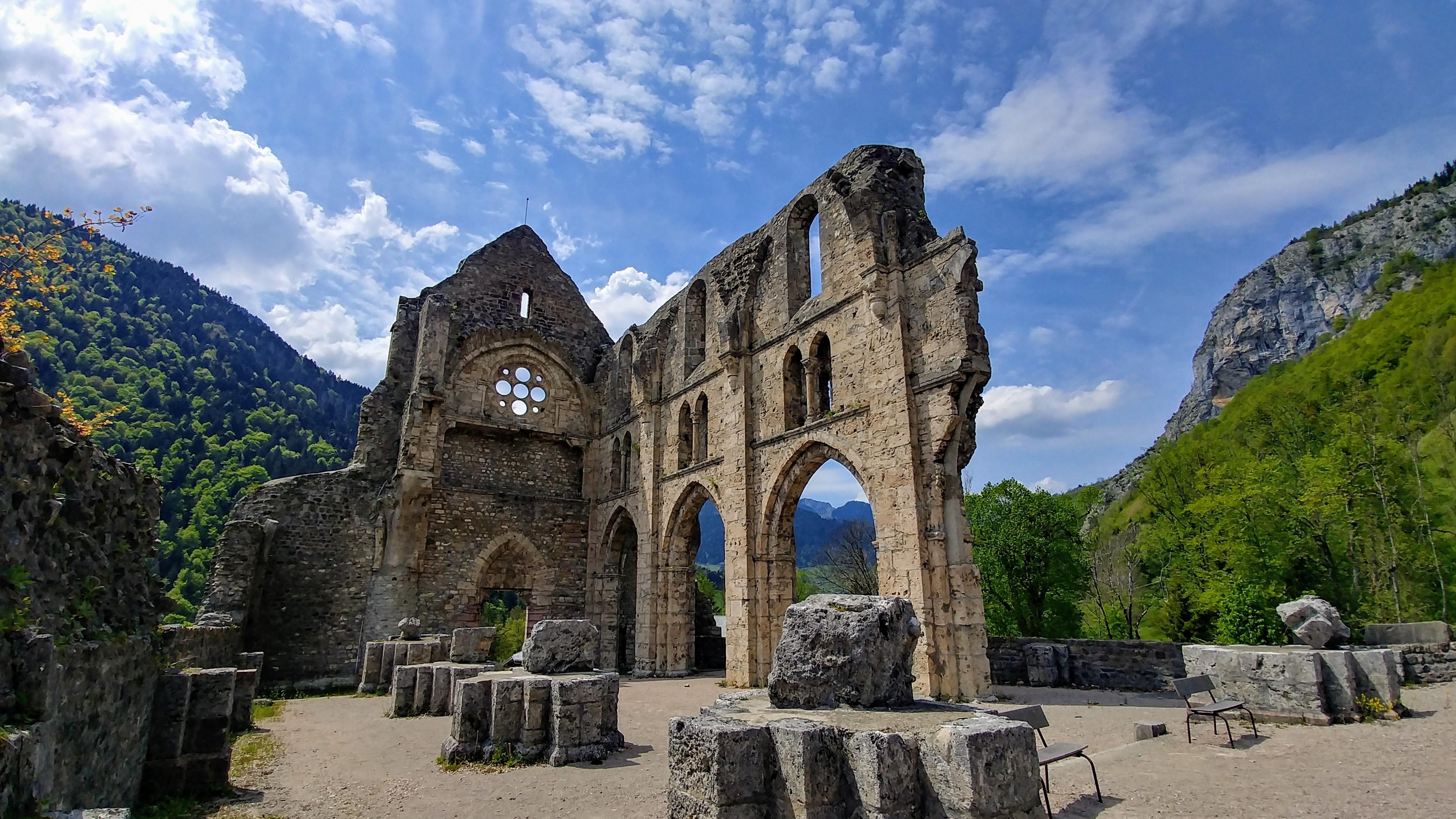 abbaye saint-jean-d'aulps visiter ruines infos pratiques blog voyage haute-savoie