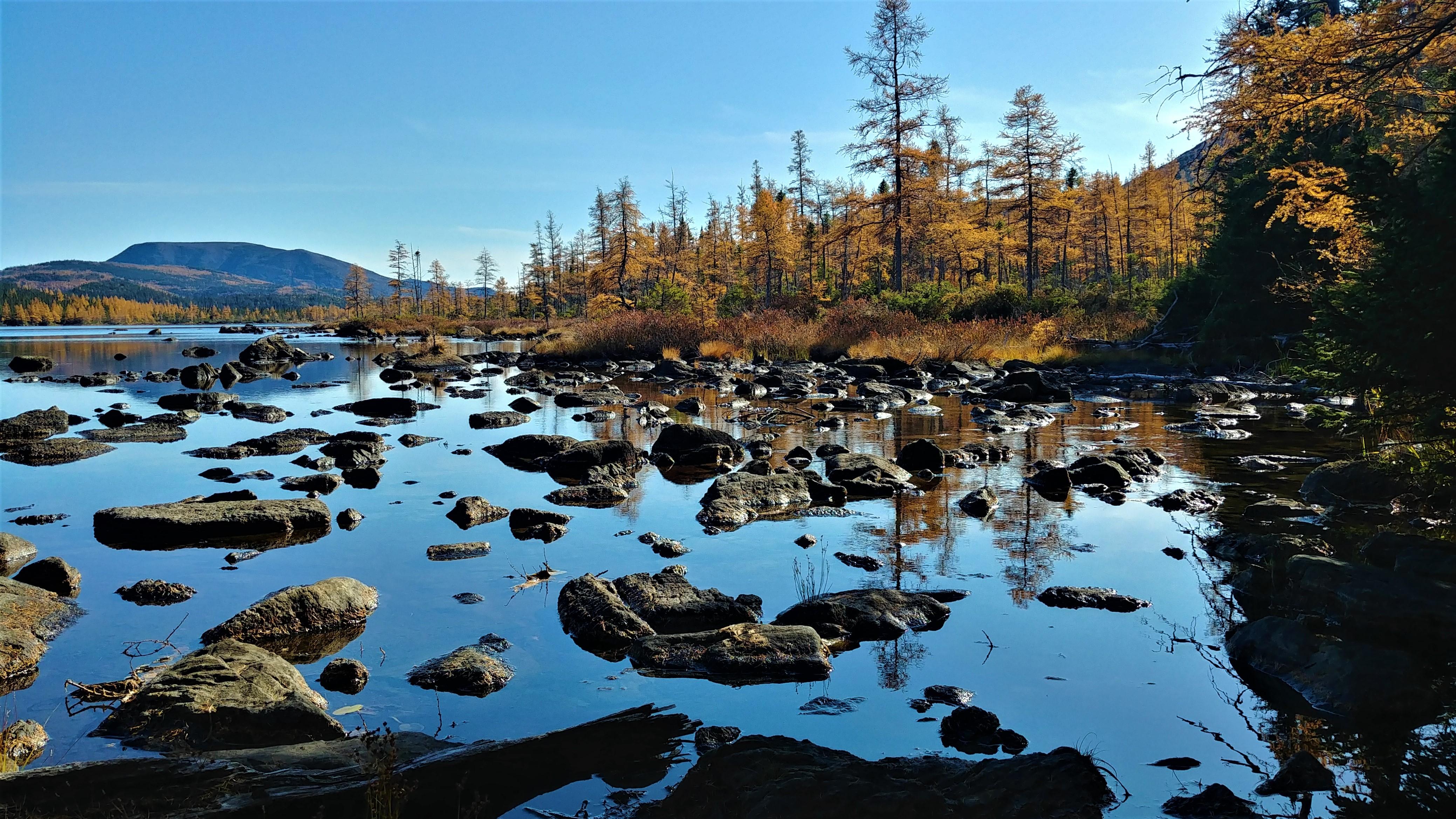 lac abri serpentine mont albert parc gaspesie automne randonnee blog voyage quebec arpenter le chemin