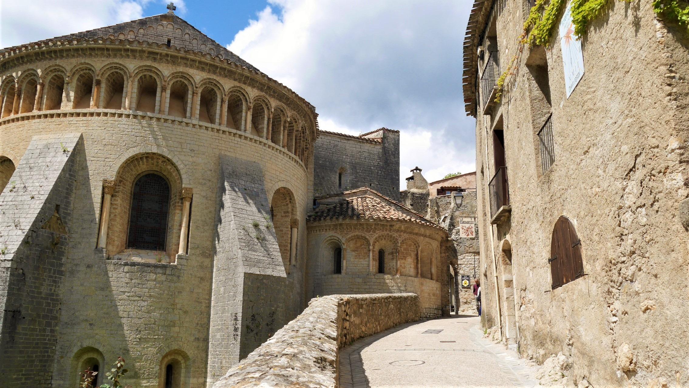 Saint Guilhem Desert abbaye Gellone infos pratiques blog voyage herault arpenter le chemin