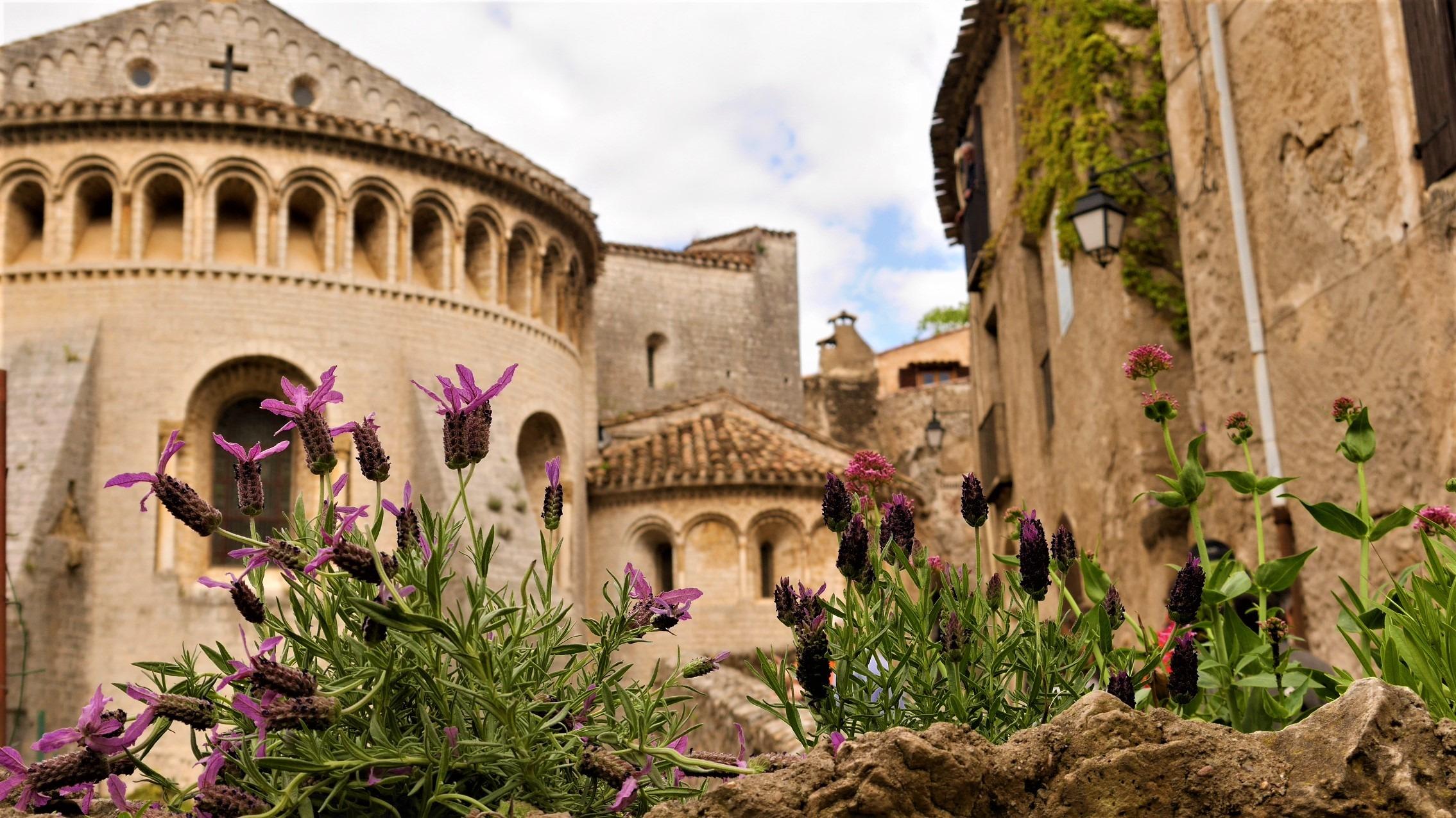 Saint Guilhem Desert abbaye Gellone visiter infos pratiques blog voyage france arpenter le chemin
