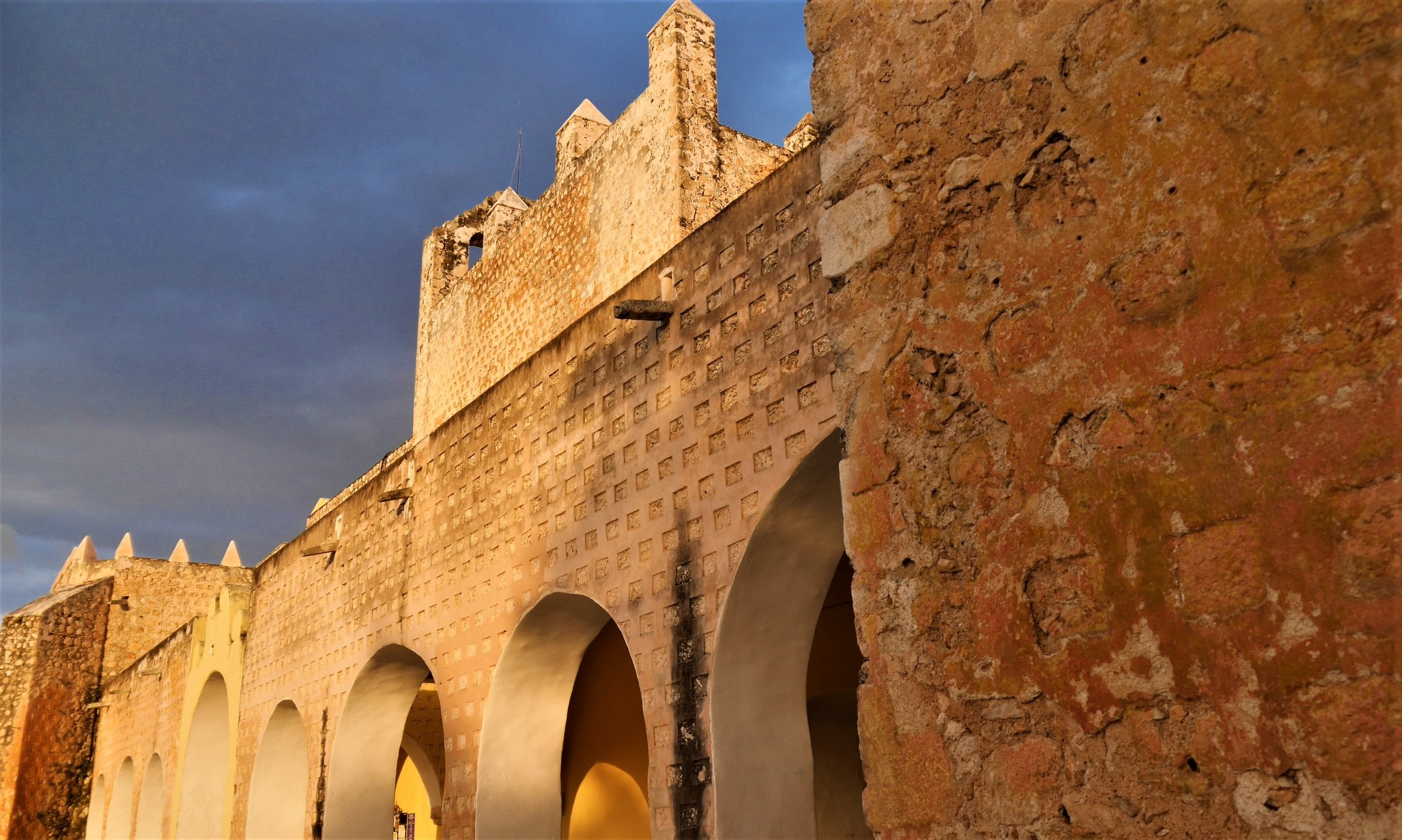 Valladolid visiter couvent san bernardino blog voyage yucatan arpenter le chemin