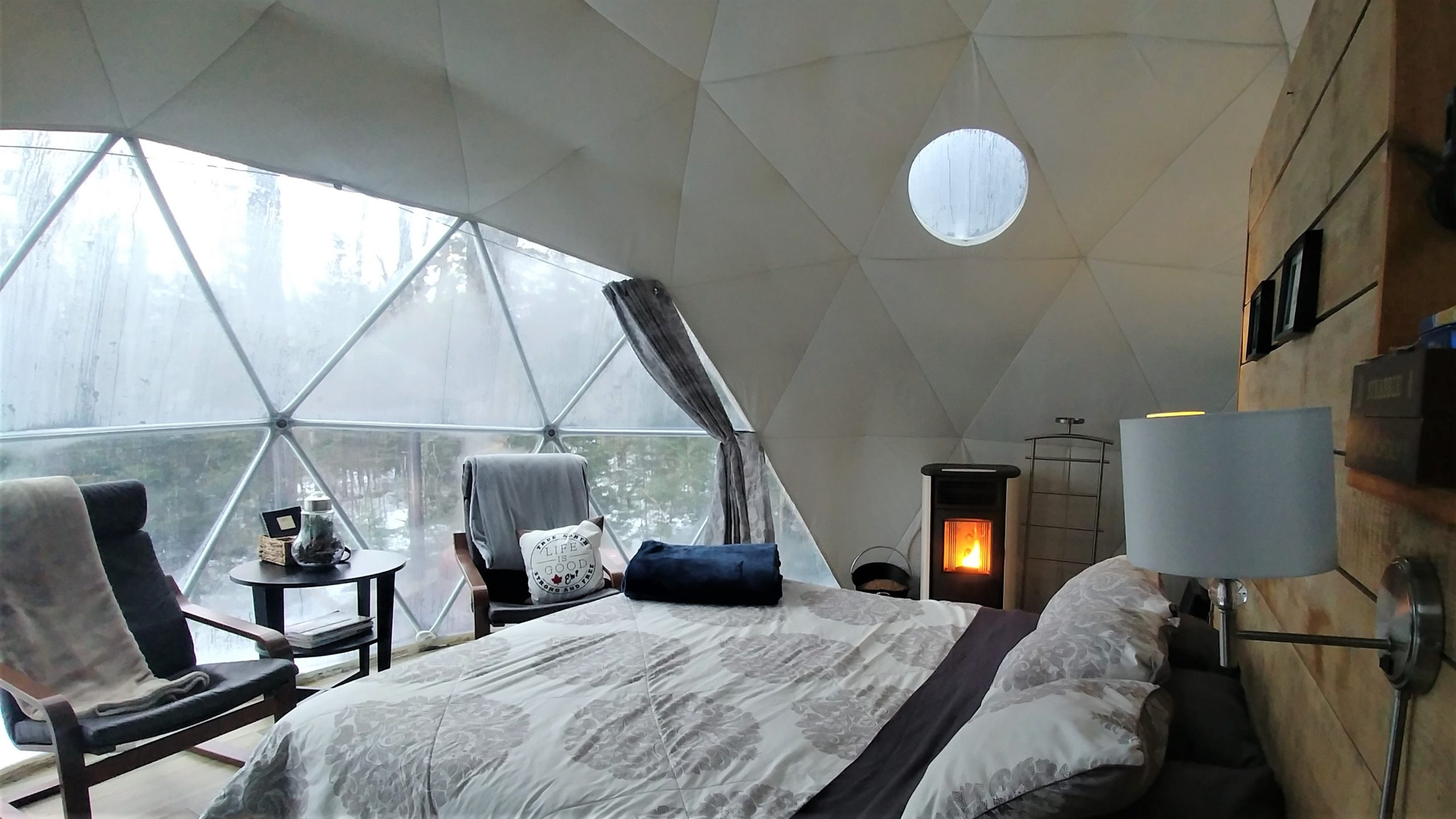 ridgeback lodge dome stargazer hebergement insolite nouveau-brunswick blog voyage canada