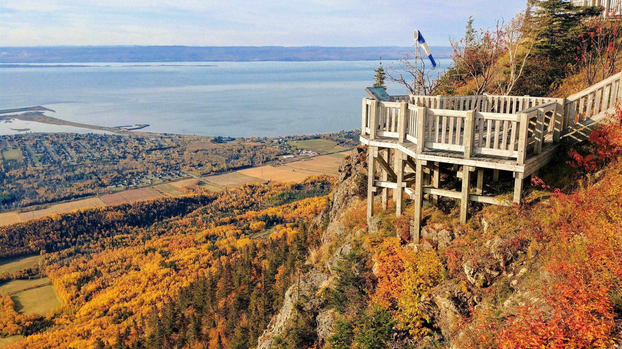 Carleton-sur-Mer Mont Saint-Joseph accès automne Gaspésie voyage Québec