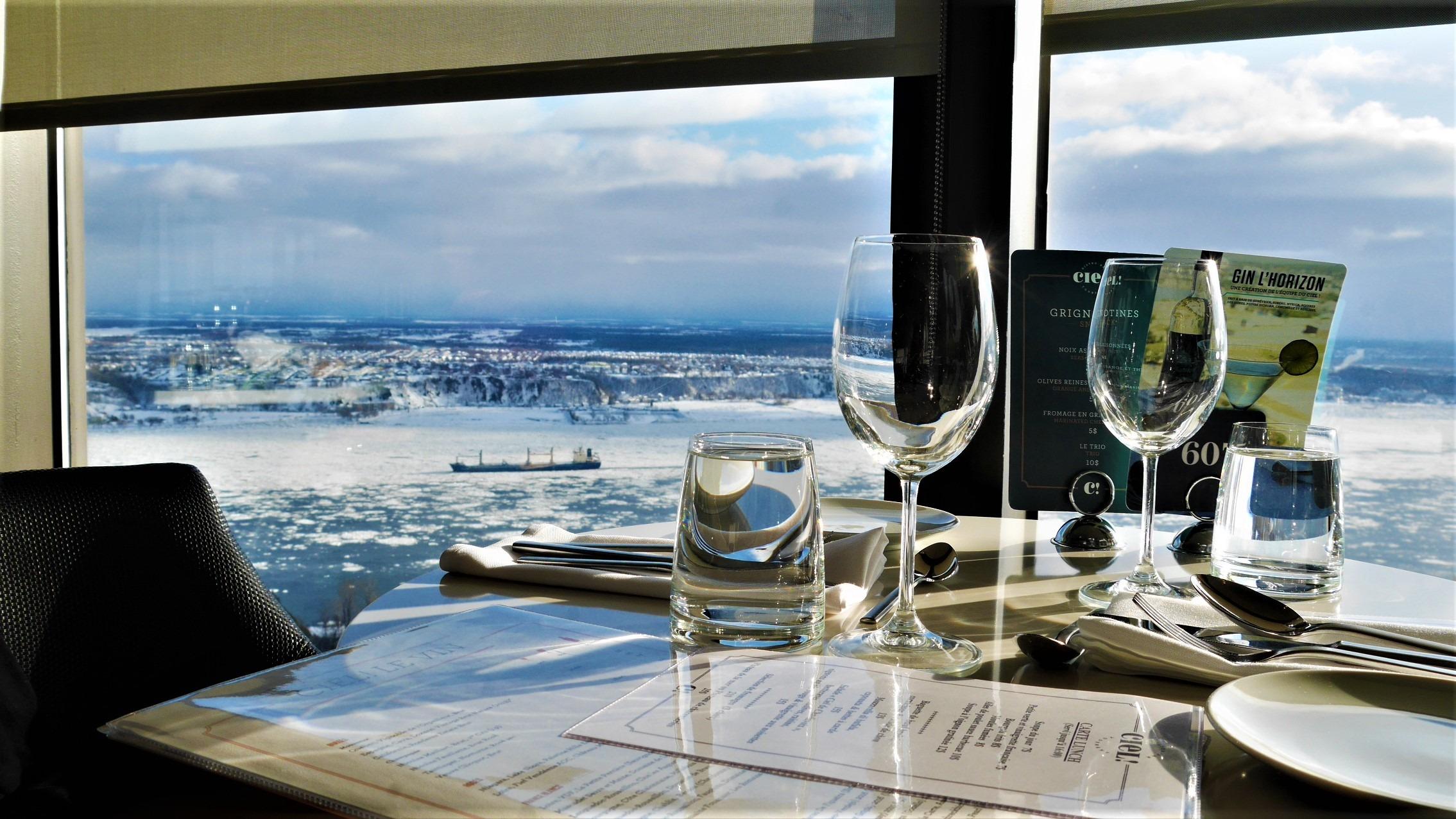 Quebec Noel ou manger restaurant tournant ciel blog voyage canada hiver arpenter le chemin