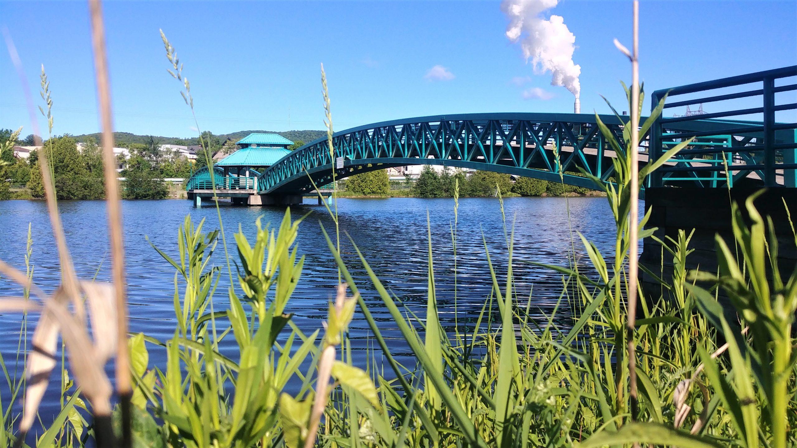 Edmundston visiter centre-ville Nouveau-Brunswick blog voyage Arpenter le chemin